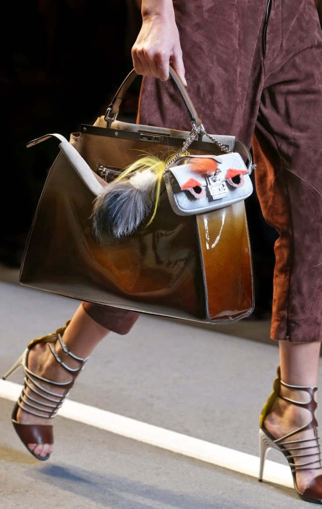 07_FENDI micro Bags_SS15 FashionShow_closeup images