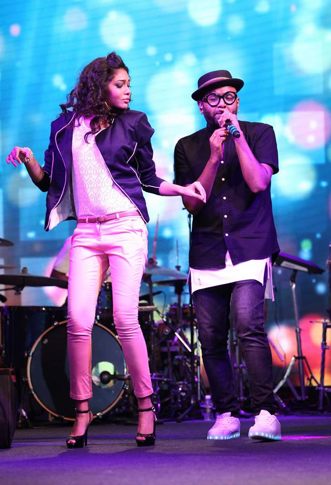 reliance trends store ritwika gupta with benny dayal