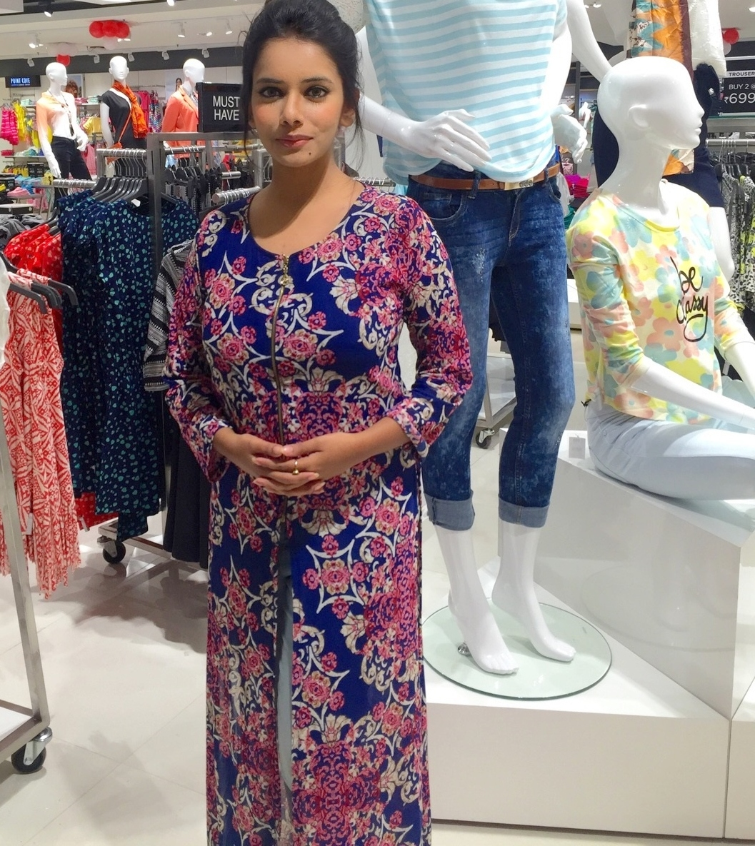 reliance trends store ritwika gupta