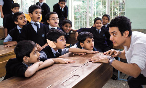 aamir-khan-with-children-in-taare-zameen-par